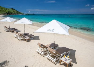 BEACH BLEU EMERAUDE GRAND CASE ABOVE UMBRELLA