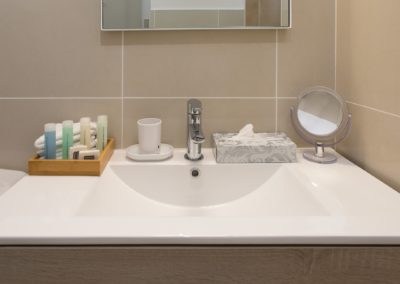 STUDIO BLEU EMERAUDE BATHROOM AMENITIES