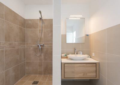 TWO BEDROOM BLEU EMERAUDE BATHROOM MASTER